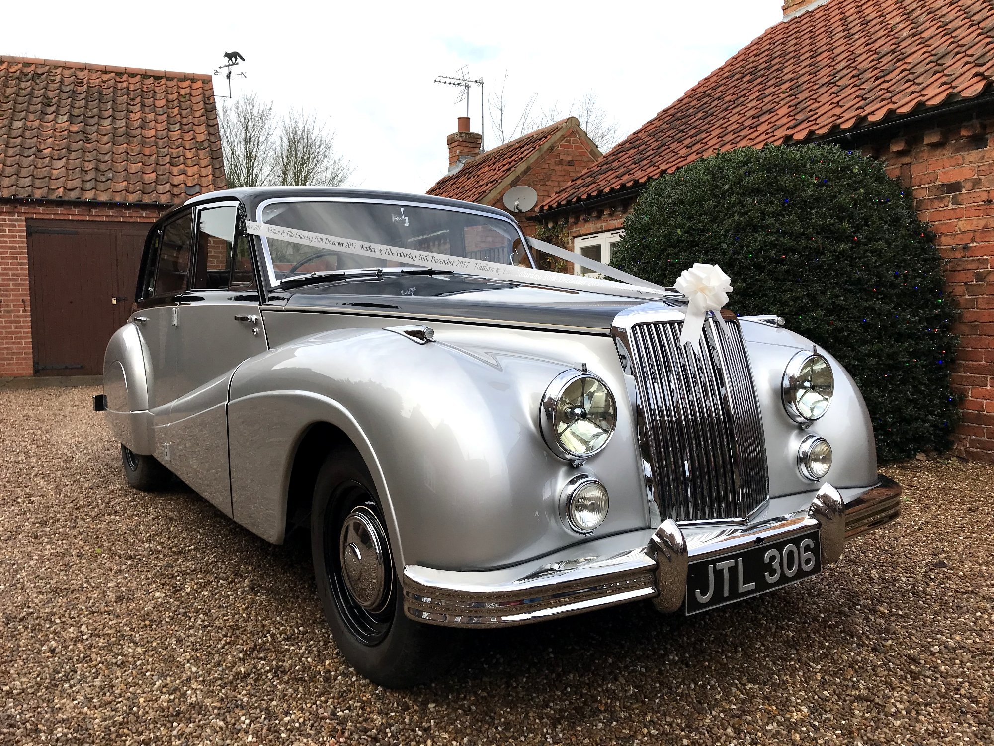 Open Top Daimler Vintage Wedding Car hire of Newark-on-Trent